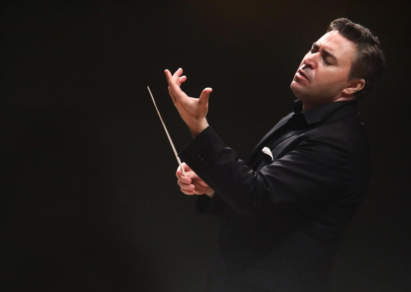 Maxim Vengerov, conducting – Photo Frances Marshall