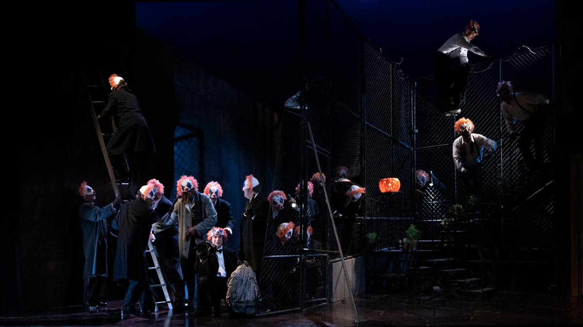 Rigoletto – Welsh National Opera, 2019 – Photo Frances Marshall
